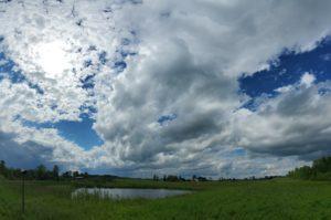photo of whispy clouds horizontally